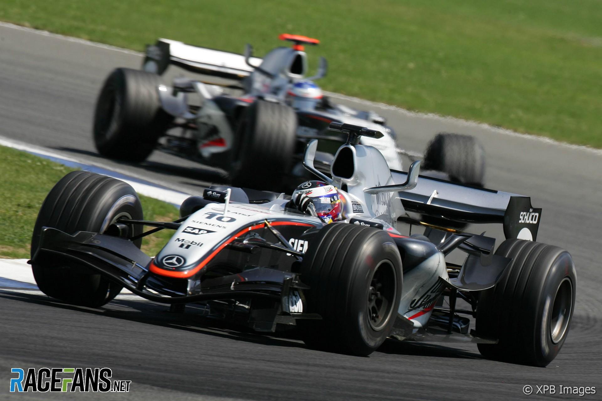 Juan-Pablo Montoya, Kimi Raikkonen, McLaren, Silverstone, 2005
