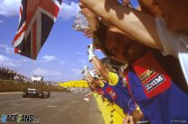 Mansell takes second win amid Apartheid controversy