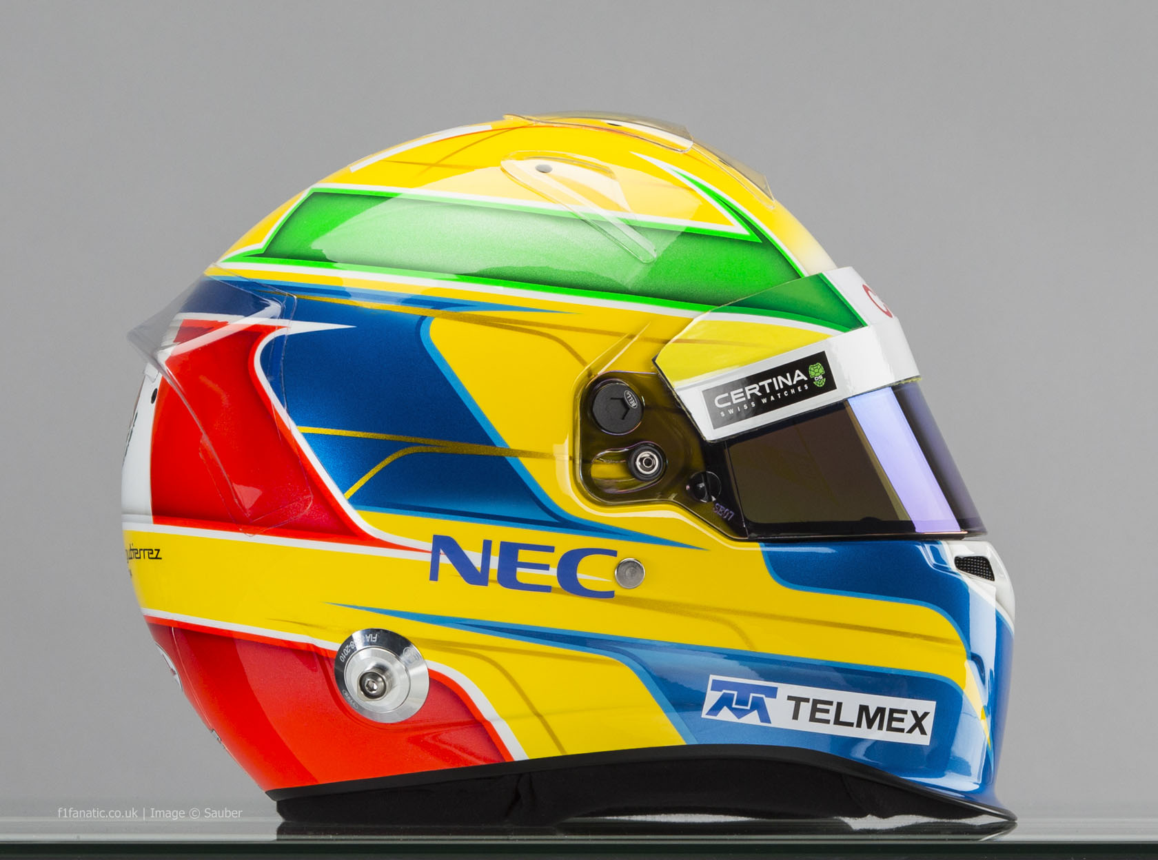 Esteban Gutierrez helmet, right, Sauber, 2014