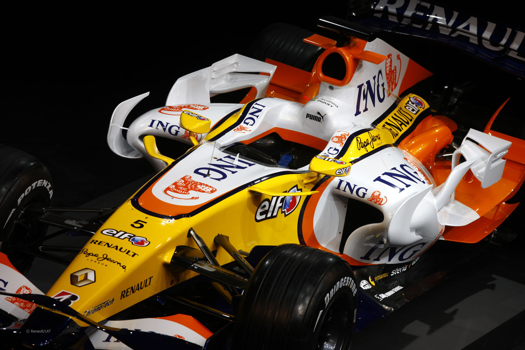 Renault R28 launch, 2008