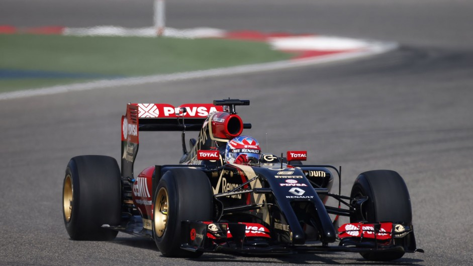 Lotus E22 hits the track in Bahrain