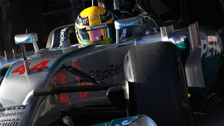 Mercedes reveal interactive 360-degree video of W05