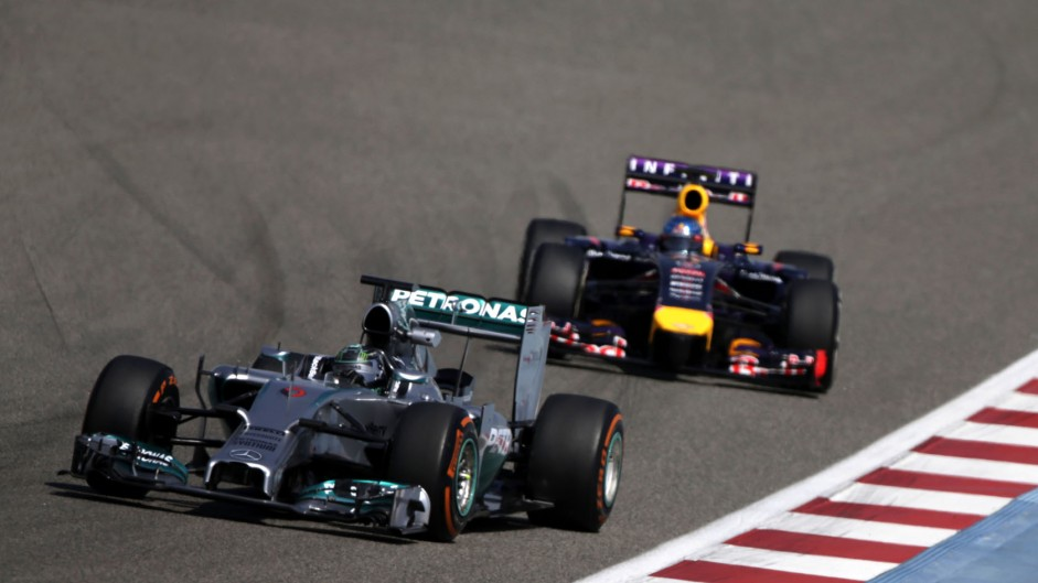 Rosberg quickest as Raikkonen crashes in Bahrain