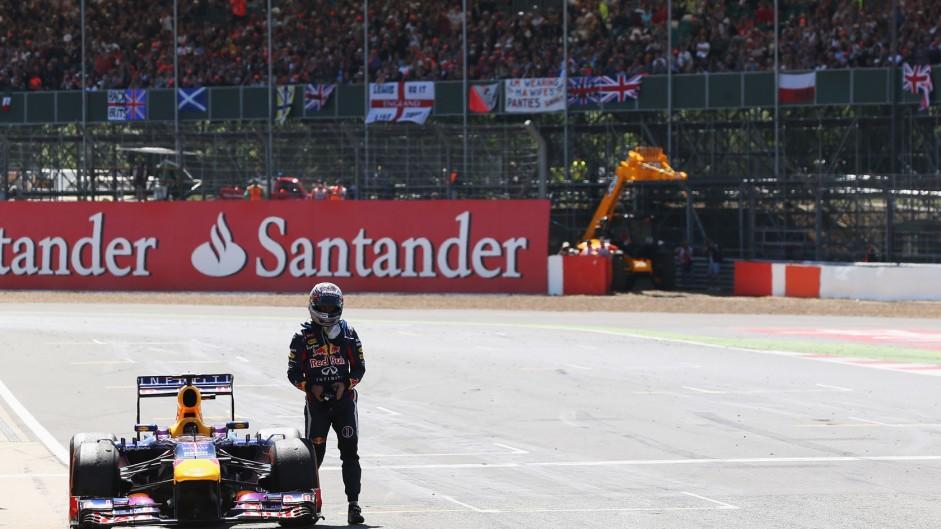 Sebastian Vettel retires from the race, Red Bull, Silverstone, 2013