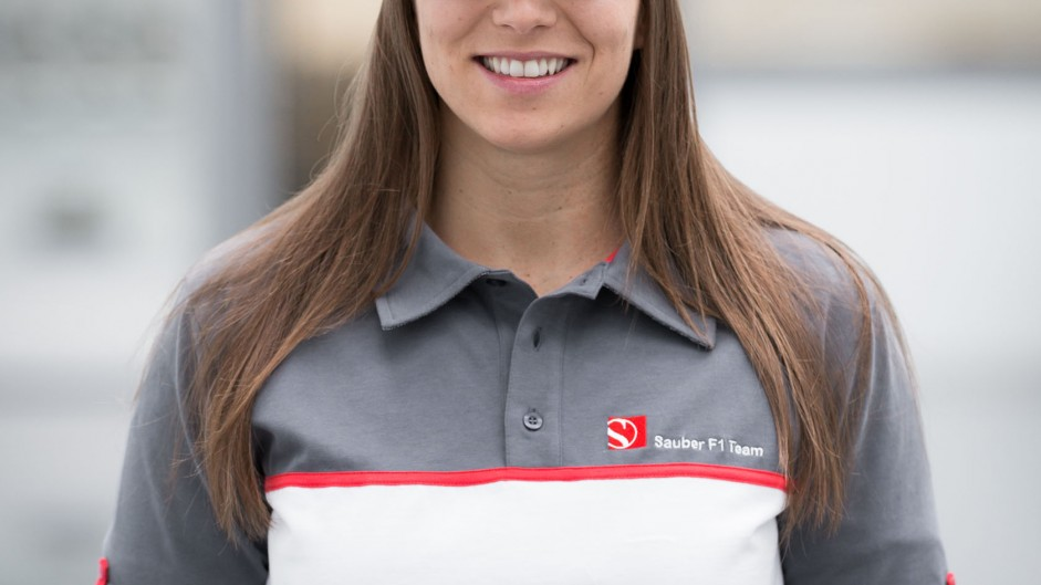 Last woman F1 racer tips De Silvestro to shine