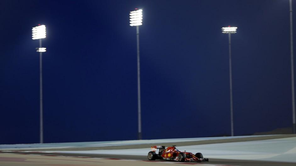 Live: 2014 Bahrain Grand Prix second practice