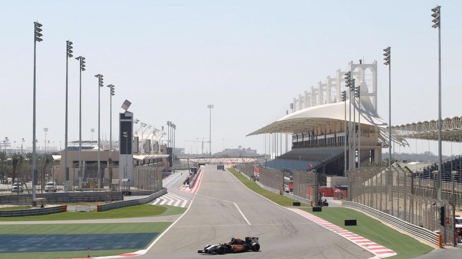 Live: 2014 Bahrain Grand Prix third practice