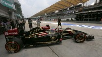 Romain Grosjean, Lotus, Sepang International Circuit, 2014