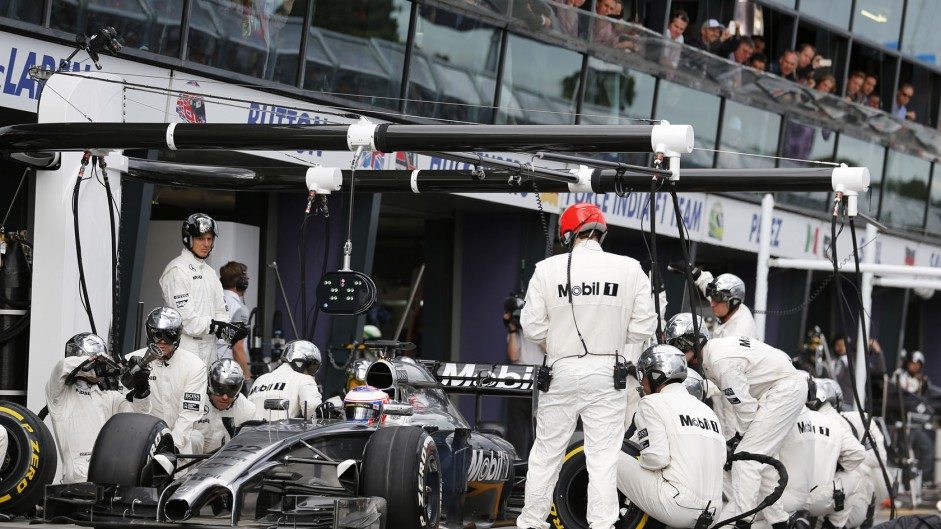 2014 Australian GP tyre strategies and pit stops