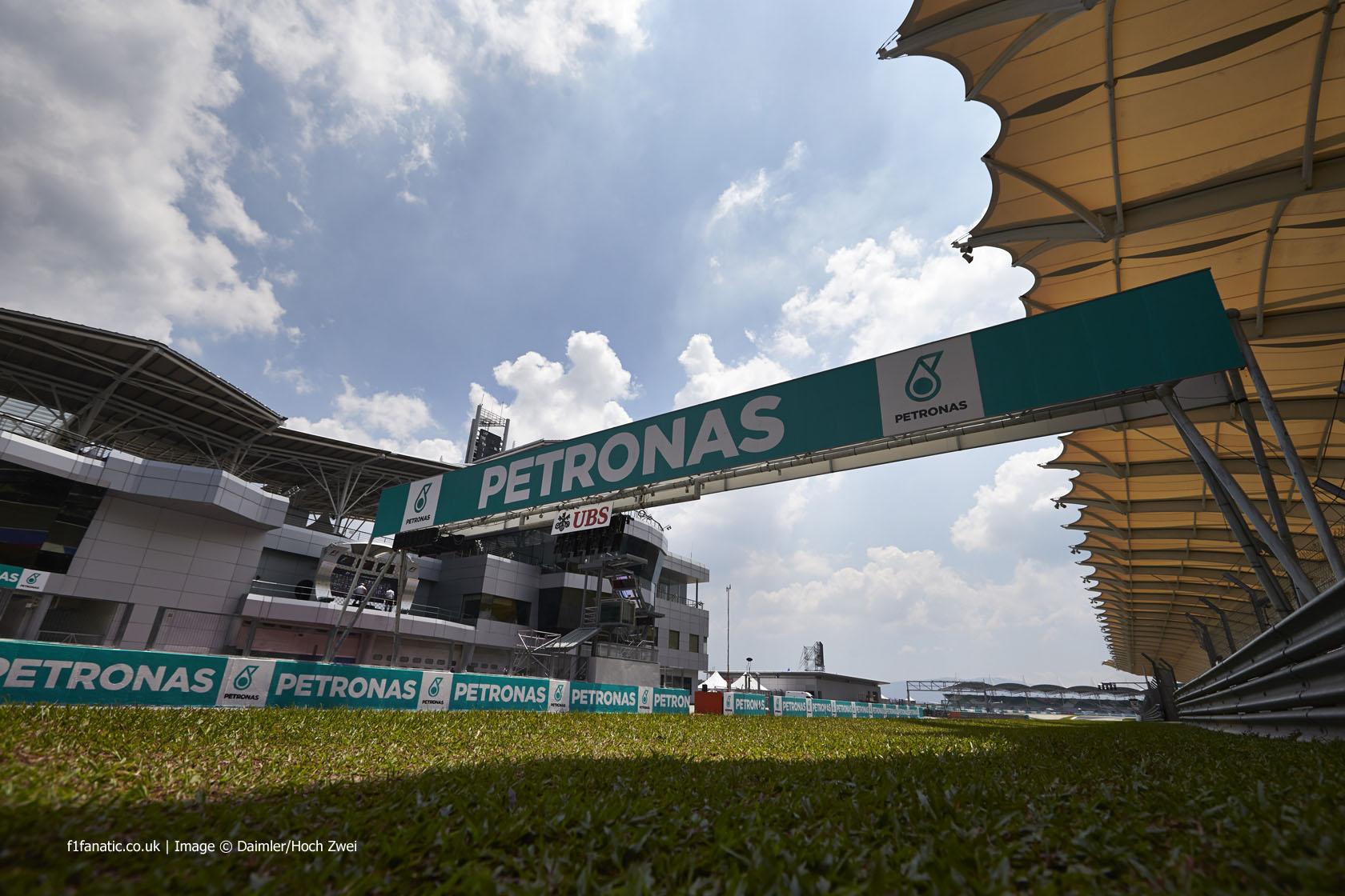 Starting gantry, Sepang International Circuit, 2014