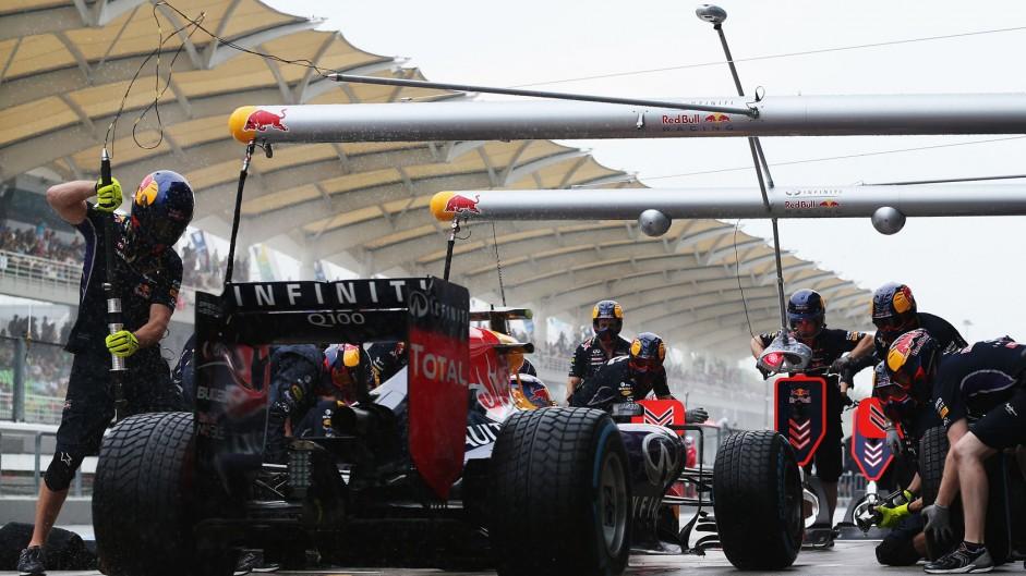 Ricciardo gets ten-place grid drop