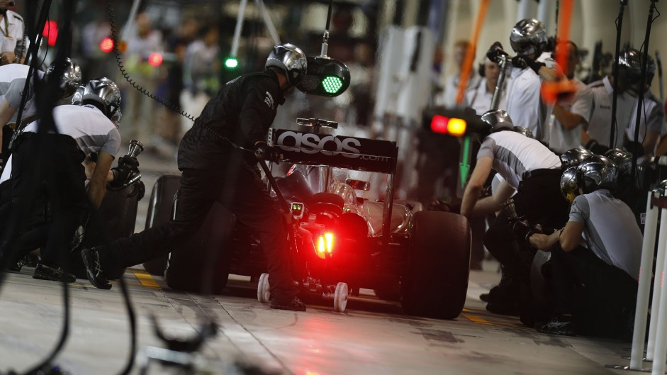 Top ten pictures from the 2014 Bahrain Grand Prix