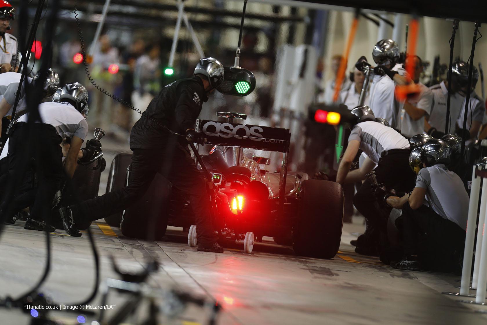Jenson Button, McLaren, Bahrain International Circuit, 2014
