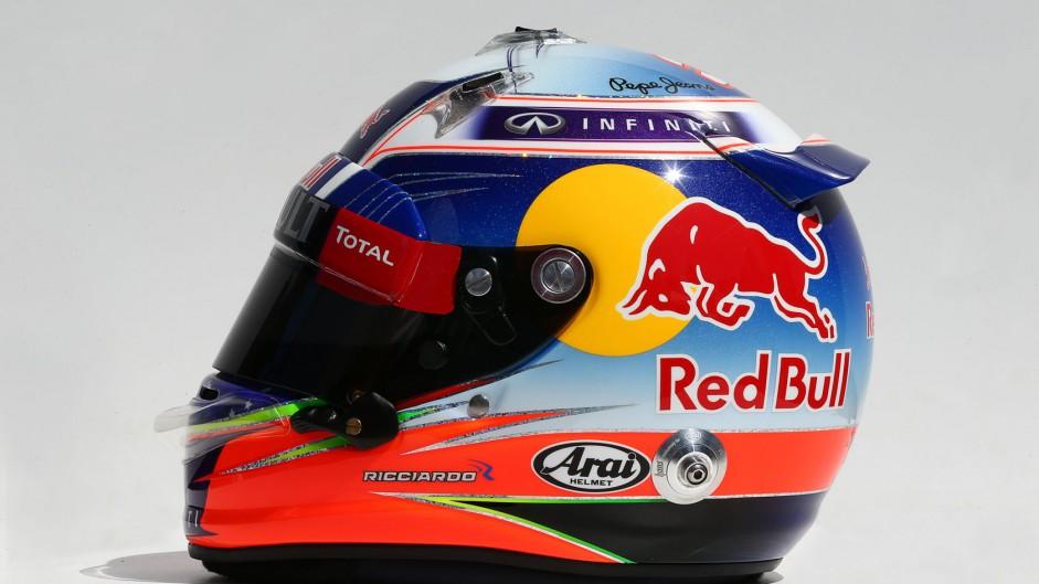 Daniel Ricciardo, Red Bull, helmet, 2014
