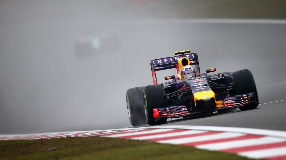 "Red Bull ""closing the gap"" to Mercedes – Ricciardo"