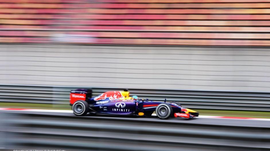 Vettel says he decided to let Ricciardo pass him
