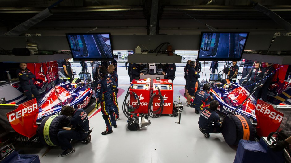 Who should Red Bull hire for Toro Rosso in 2015?