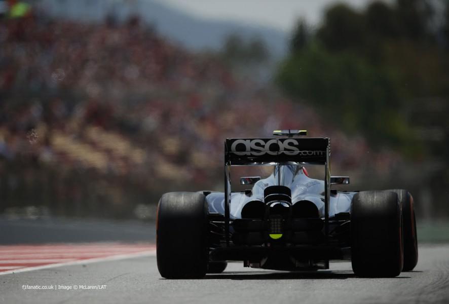 Kevin Magnussen, McLaren, Circuit de Catalunya, 2014