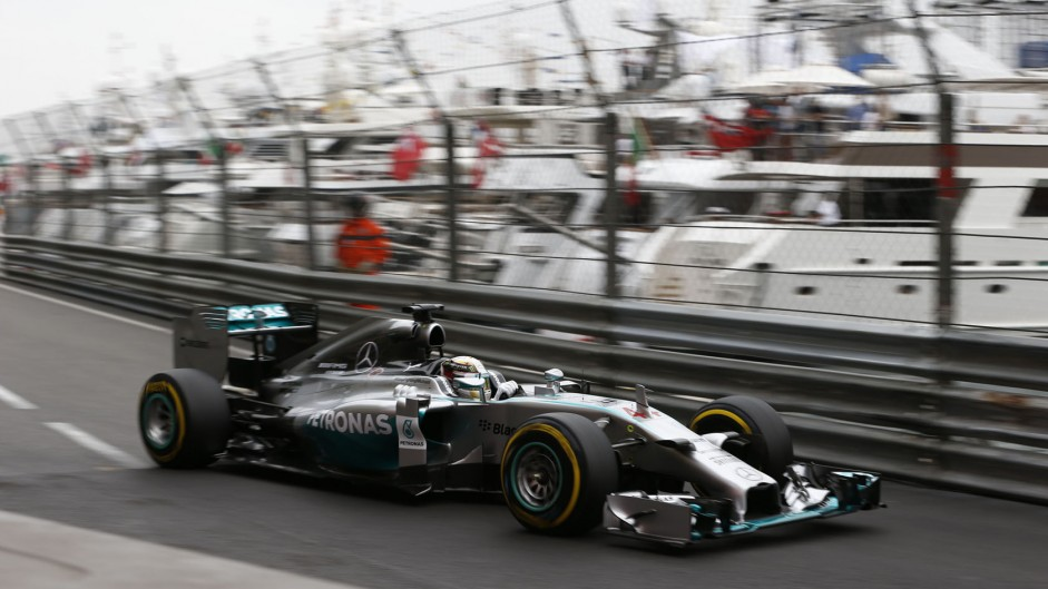Hamilton pips Rosberg as Mercedes lead first practice