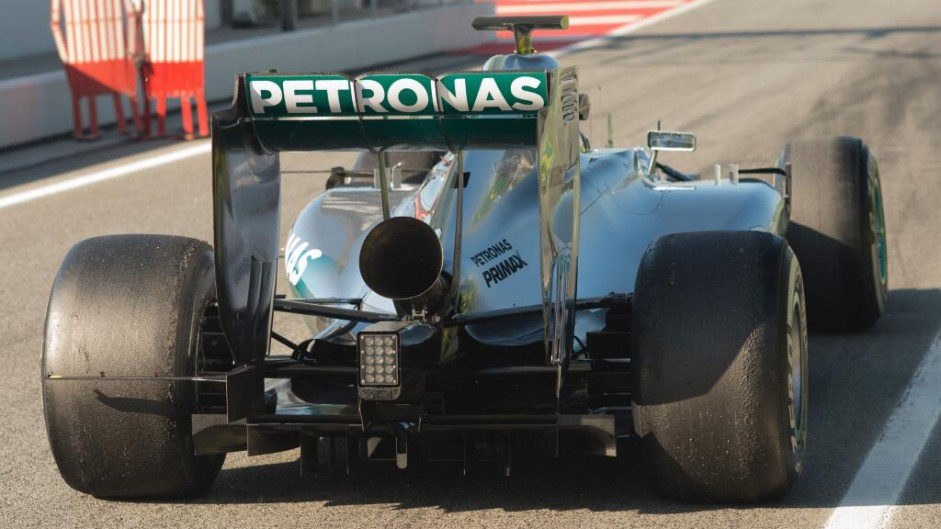 "New louder exhaust ""didn't work"" – Rosberg"