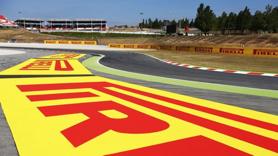 Turn one, Circuit de Catalunya, 2014