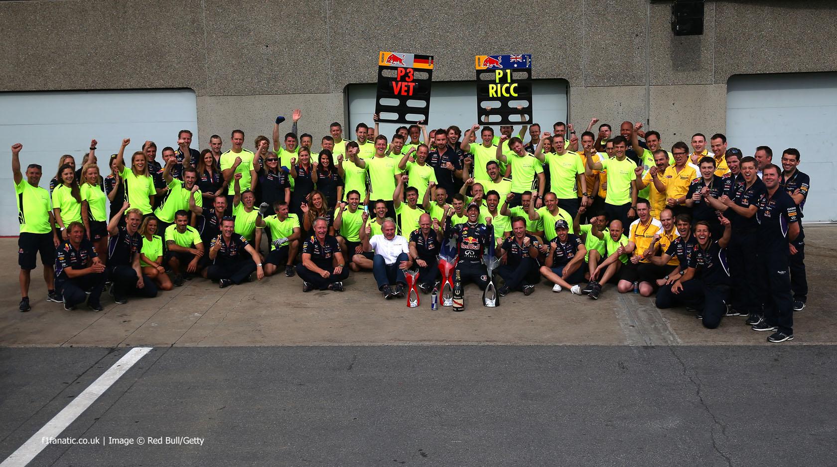 Daniel Ricciardo, Sebastian Vettel, Red Bull team, Circuit Gilles Villeneuve, 2014