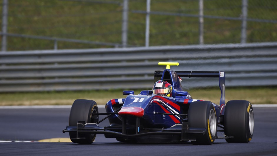 Live: 2014 Italy GP3 race one