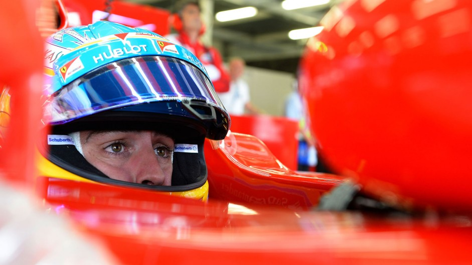 Alonso and Vettel at odds over battle for fifth