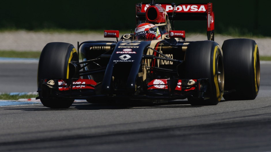 Maldonado to remain at Lotus in 2015