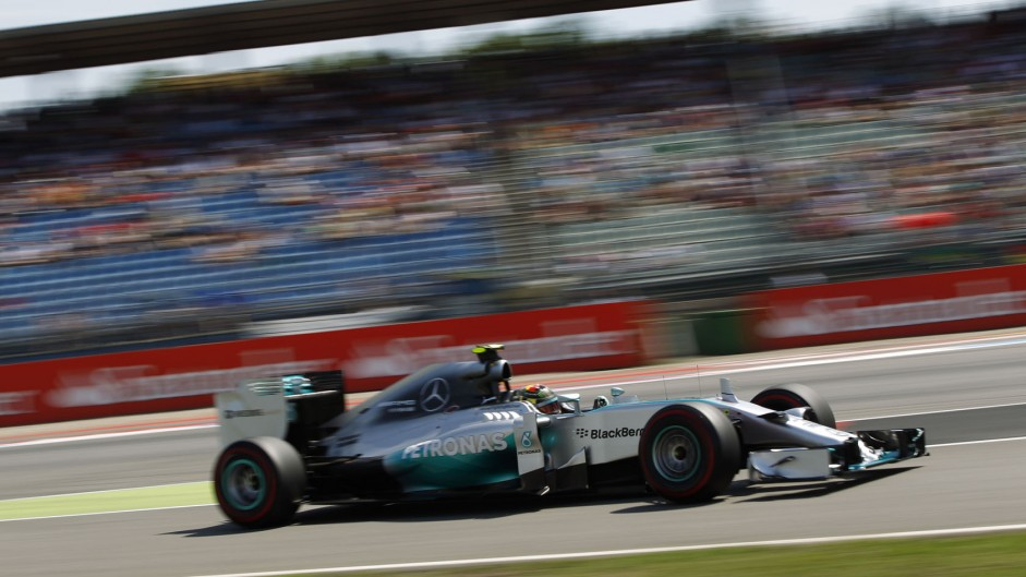 Rosberg takes home win as Hamilton battles to third
