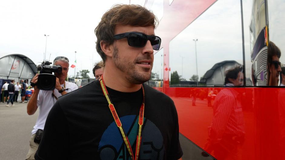 """Vettel rumours """"not helping"""" Ferrari – Alonso"""