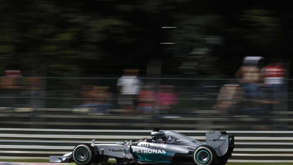 Hamilton thought Rosberg would crack under pressure