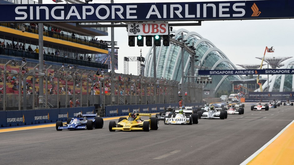 Classic F1 cars in action at Singapore in pictures