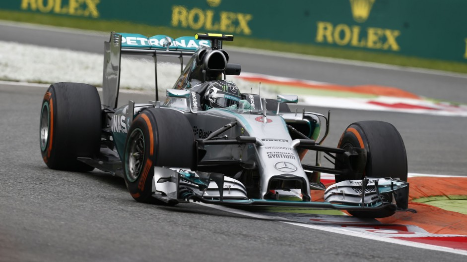 Rosberg edges delayed Hamilton in Mercedes one-two