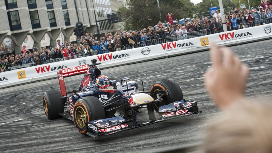 """Verstappen eager to avoid """"silly mistakes"""" after crash"""