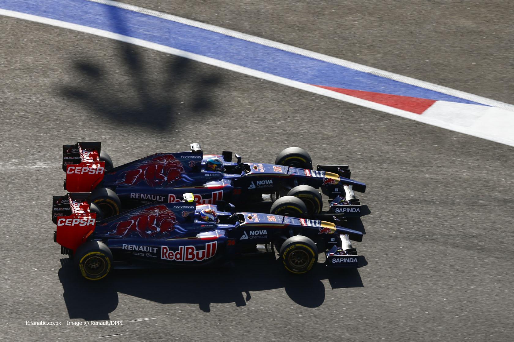 Daniil Kvyat, Jean-Eric Vergne, Toro Rosso, Sochi Autodrom, 2014