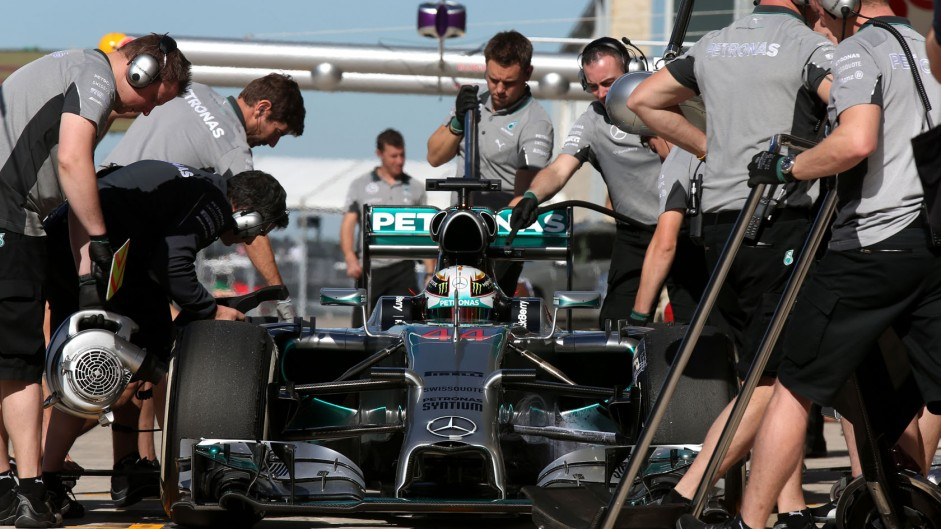 Hamilton pips Rosberg – then hits trouble