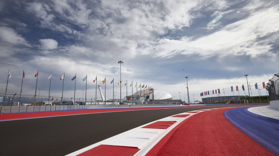 Live: 2014 Russia GP3 race two