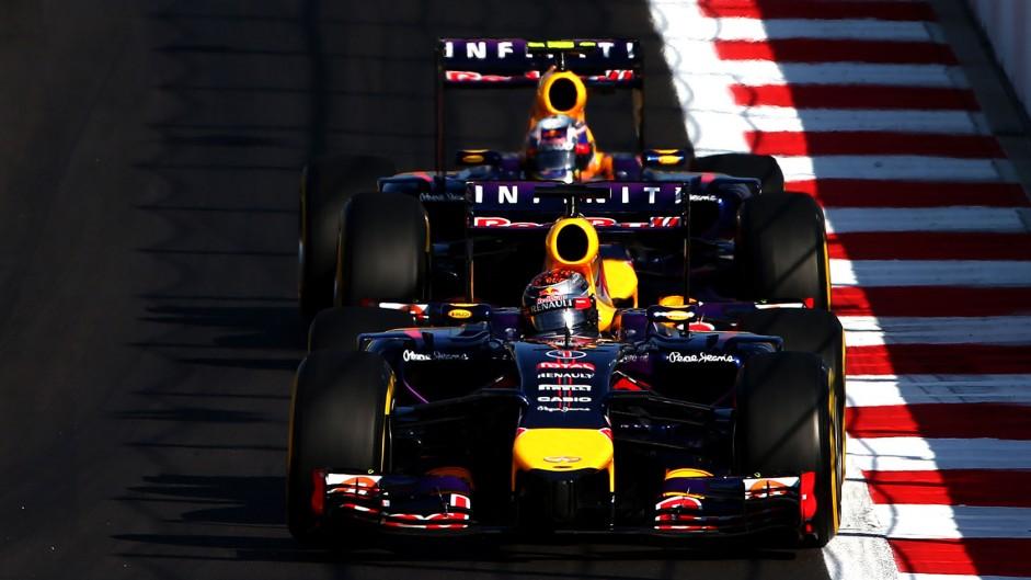 Sebastian Vettel, Daniel Ricciardo, Red Bull, Sochi Autodrom, 2014