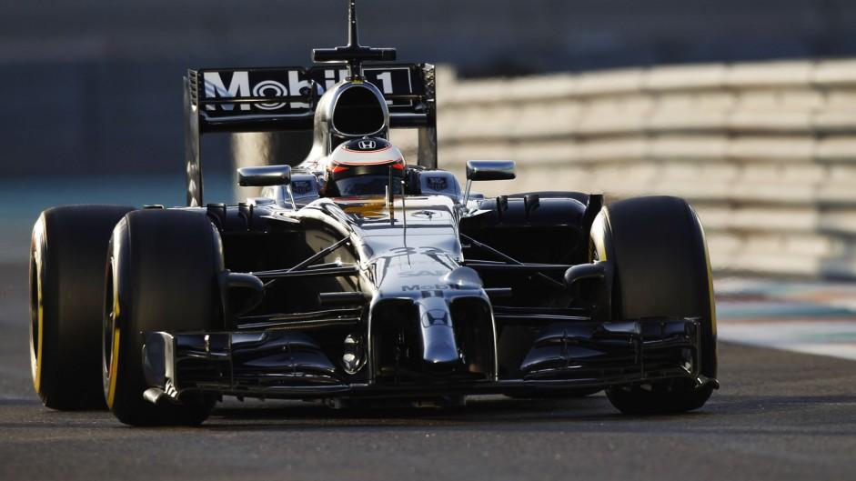 Mercedes end 2014 on top as McLaren struggle again