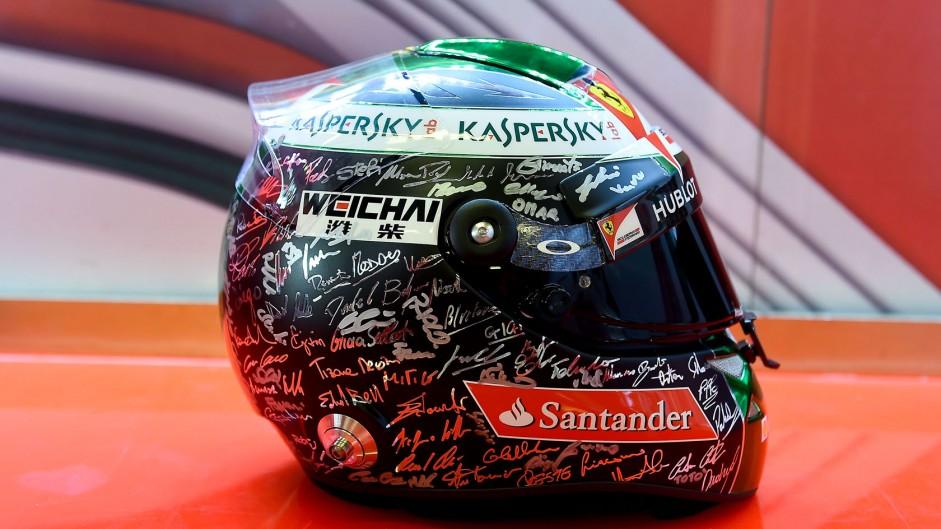 Fernando Alonso helmet, Yas Marina, 2014