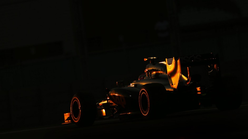 Top ten pictures from the 2014 Abu Dhabi Grand Prix