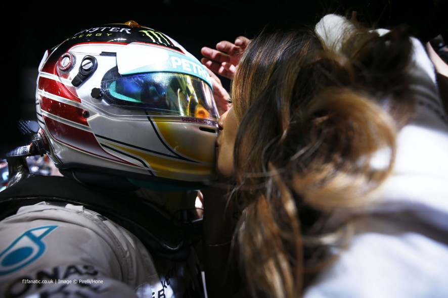 Lewis 汉密尔顿, Nicole Scherzinger, Mercedes, Yas Marina, 2014