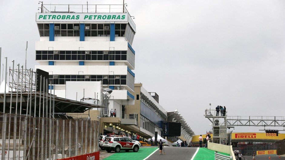 Pit entry, Interlagos, 2014