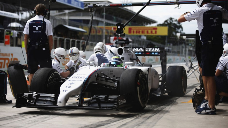 Pit stop problems delay Williams pair