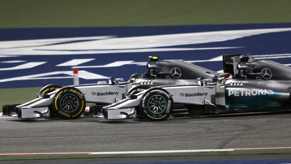 "Mercedes' Bahrain battle ""too dangerous"" – Warwick"
