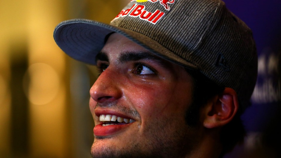 Sainz confirmed in all-rookie Toro Rosso line-up