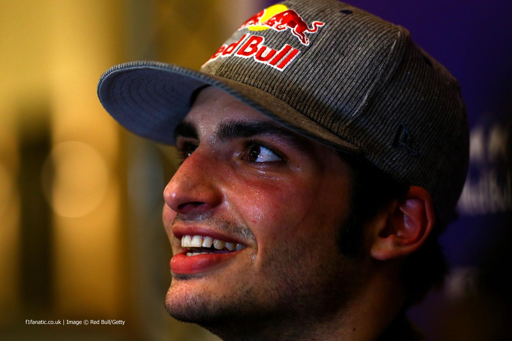 Carlos Sainz Jnr, Red Bull, Yas Marina, 2014