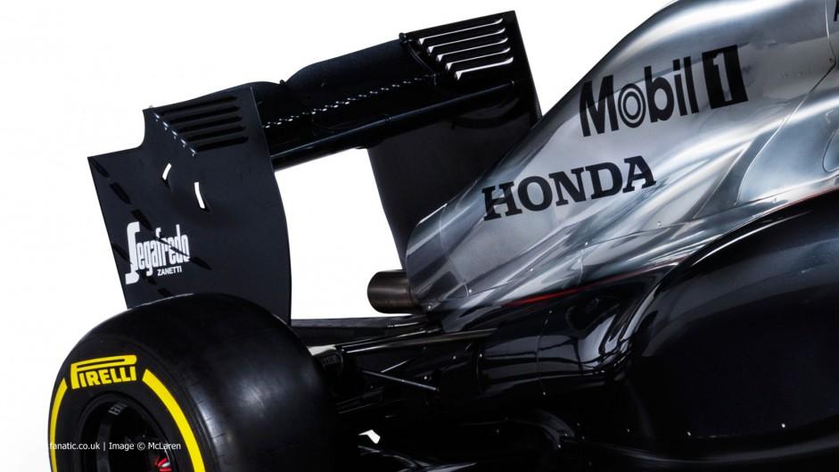 McLaren MP4-30 rear wing, 2015