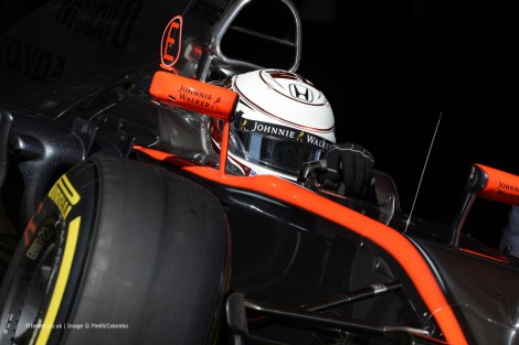 凯文·马格努森(Kevin Magnussen),迈凯轮,加泰罗尼亚赛道,2015年